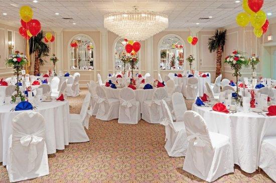 Carteret, NJ: Ballroom