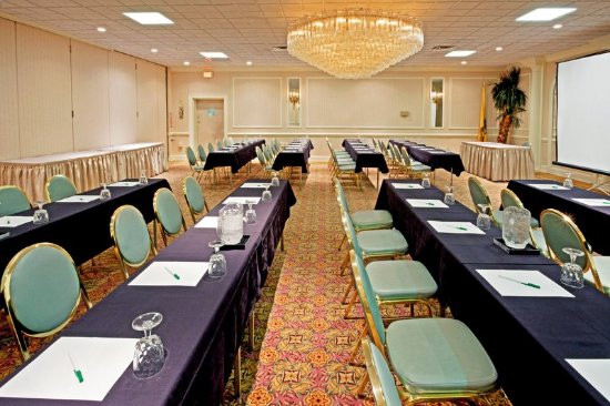 Carteret, NJ: Meeting Room