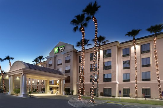 Holiday Inn Express Yuma: Hotel Exterior