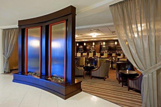 Holiday Inn Orangeburg - Rockland / Bergen: Bar and Lounge