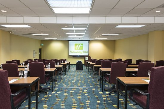Independence, OH: Tiered Meeting room alt view