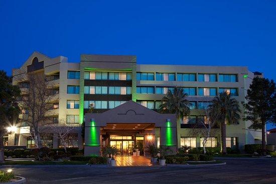 Holiday Inn Palmdale-Lancaster Hotel - Hotel Exterior