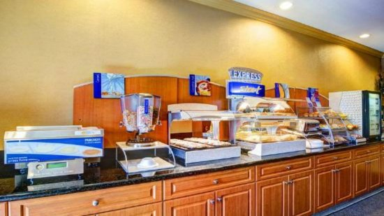 Holiday Inn Express San Diego N - Rancho Bernardo: Restaurant