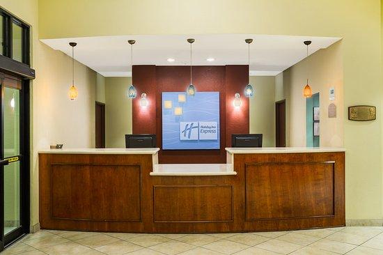 Surprise, AZ: Guest Reception Area