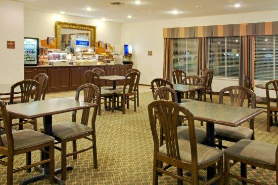 Livingston, TX: Breakfast Bar