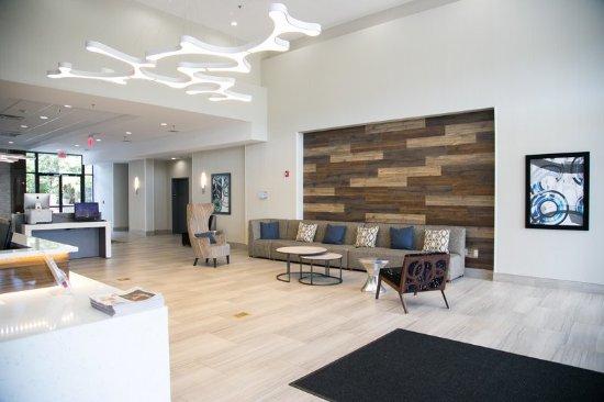Homewood, AL: Hotel Lobby
