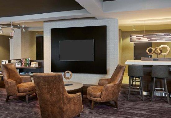 Pontiac, MI: Lobby - Home Theater