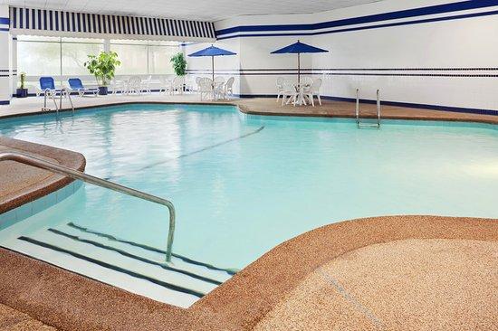 Schiller Park, IL: Heated Indoor Pool
