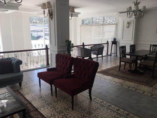 Dhavara Hotel: photo2.jpg