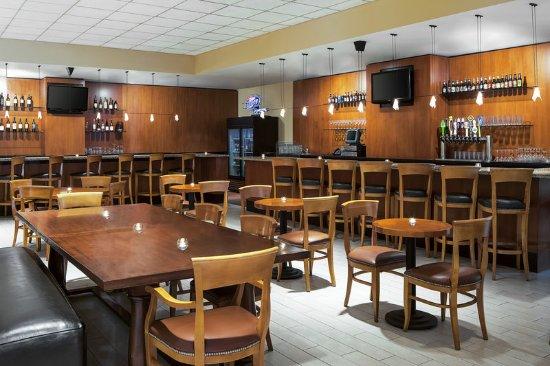 Brookfield, WI: Brew Town Tap Lounge