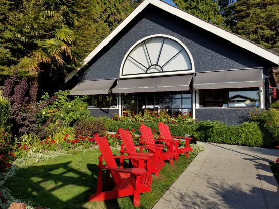 Teahouse in Stanley Park: Front of the restaurant