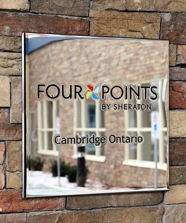 Cambridge, Canadá: Building Exterior Signage