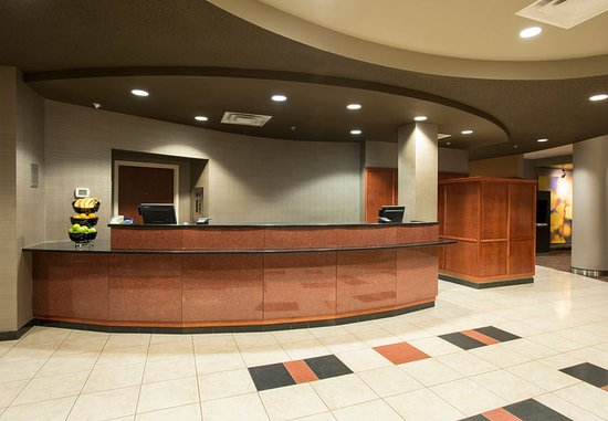West Chester, OH: Front Desk