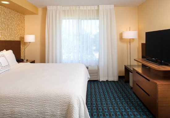 Westminster, CO: King Guest Room