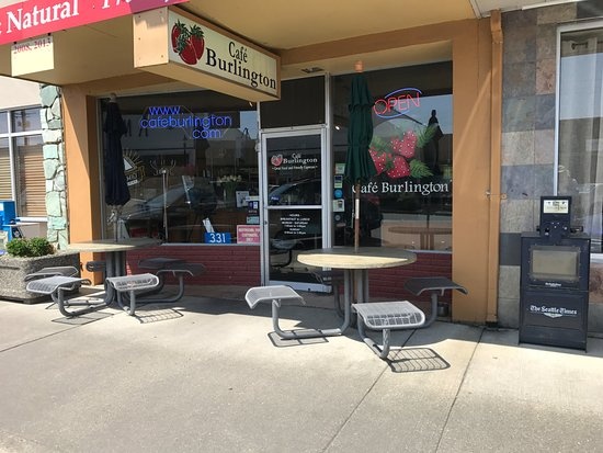Burlington, واشنطن: Strawberry season in the Skagit Valley!