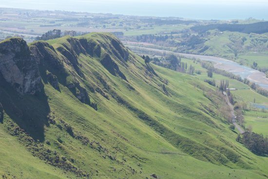 Hastings, New Zealand: One of many great sights from the peak.