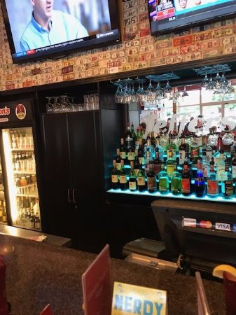 Jefferson's: Jeffersons - Full Service bar.