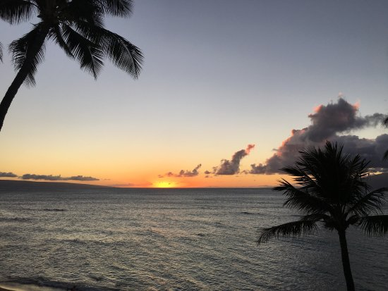 Hale Mahina Beach Resort: photo1.jpg