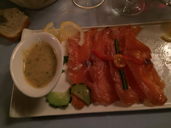 """Restaurant du Vieux-Lausanne et Bar Giraf : saumon """"Gravad Lax"""""""