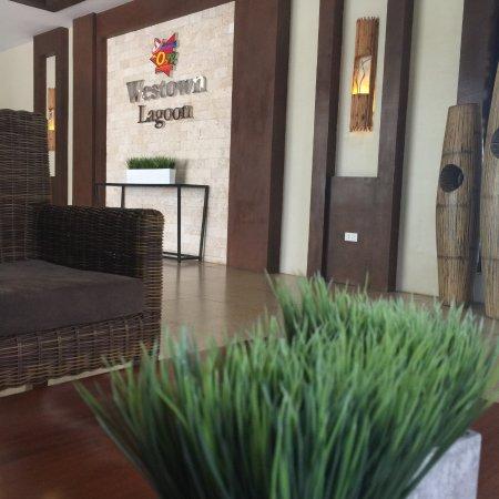 Coron Westown Resort: lobby
