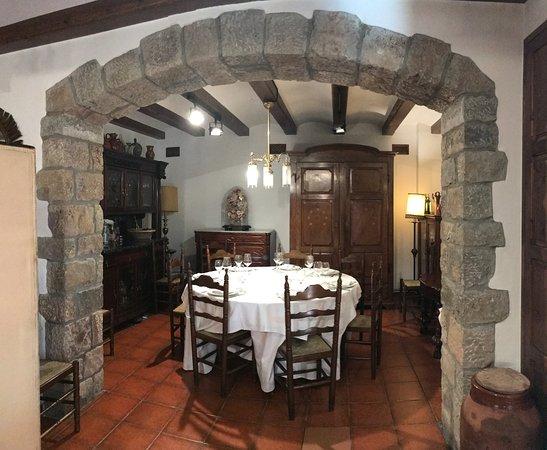 Monistrol de Calders, Spanien: Un dels racons del menjador de Cal Mestre, ideal per un àpat en bona companyia.