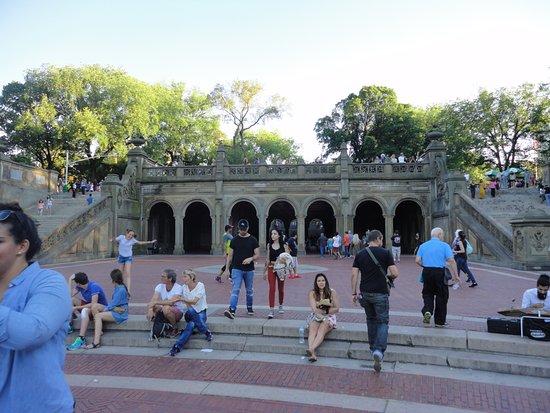Terraza de la fuente de bethesda picture of central park new york city tripadvisor - Fuente terraza ...