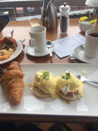 Carlton George Hotel: Good breakfast!