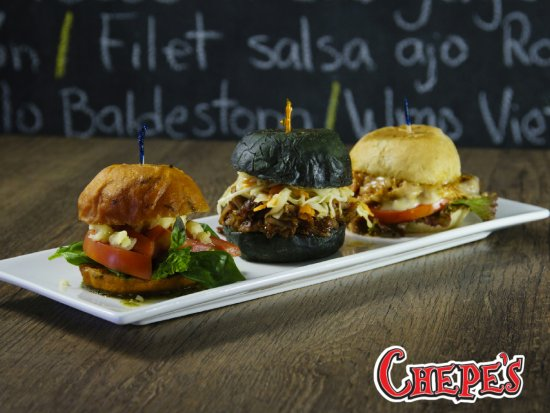 San Ramon, Costa Rica: SLIDERS BURGUERS