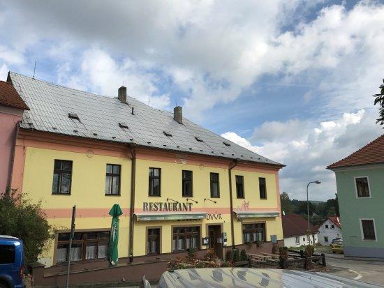 Dolni Dvoriste, Tsjechië: Restaurace