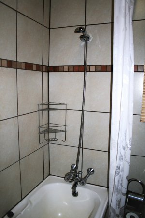 Sabie, South Africa: Executive 2 Sleeper - bath and shower