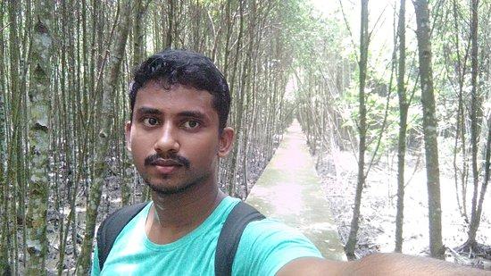 Selangor, Malaysia: Selfie with mangroves