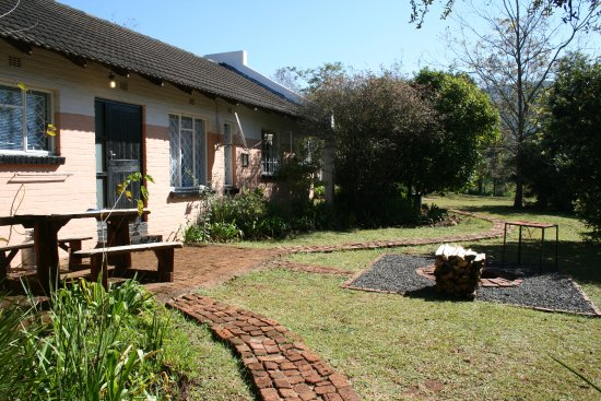Sabie, Sudáfrica: 6 Sleeper chalet private fire-pit/braai with free fire wood