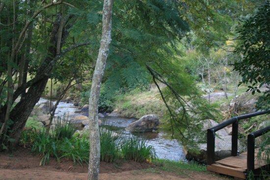 Sabie, Sudafrica: Stream and bridge