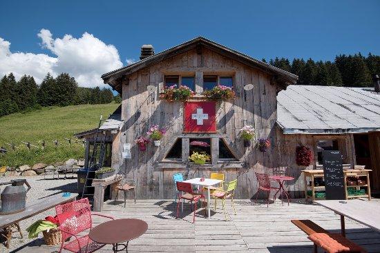 Грийон, Швейцария: Terrasse estivale