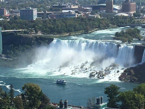 Hilton Niagara Falls/Fallsview Hotel & Suites: photo3.jpg