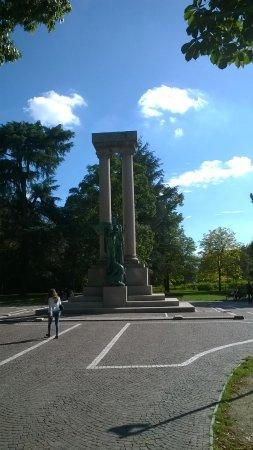 Monumento Vittoria Alata (Allea Novara)