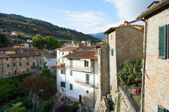 Loro Ciuffenna, Italia: Vue d'une des fenêtres