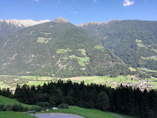 Villa Ottone, Włochy: dalla finestra alla valle