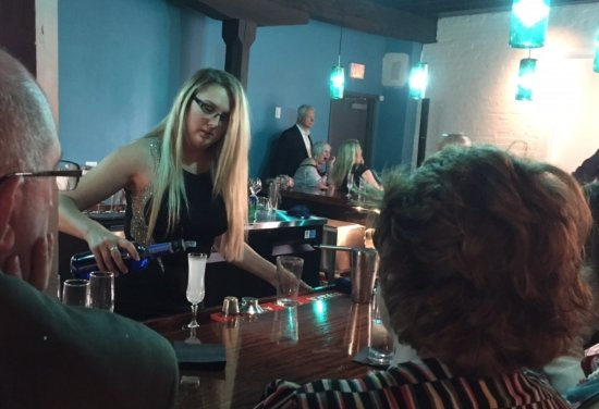 Miamisburg, OH: Our lounge is a great place to socialize!