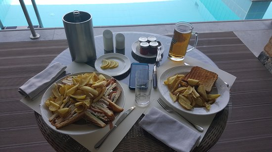 Daios Cove Luxury Resort & Villas: Room service lunch