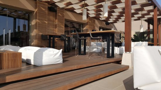 Daios Cove Luxury Resort & Villas: Crystal Box bar