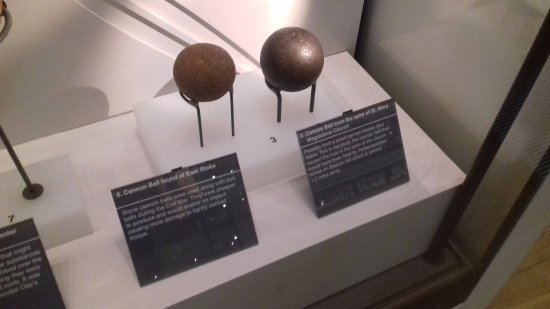 Newark-on-Trent, UK: Cannon balls found locally.