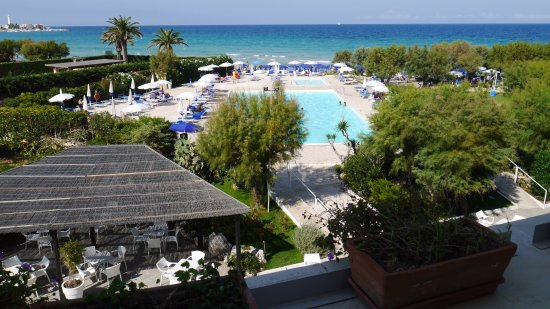 Hotel del Levante: View to pool and beach