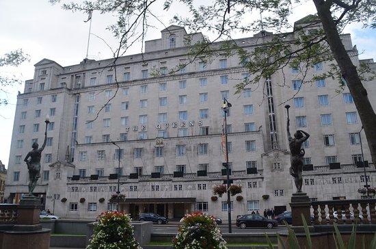 Hotel Frontage Picture Of The Queens Leeds Leeds