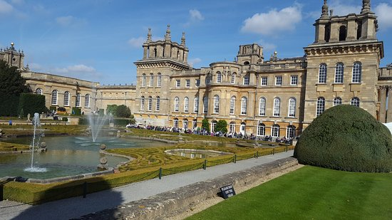 Blenheim Palace: What an amazing place. So much to see. You need the whole day to see it all. Put on some good wa