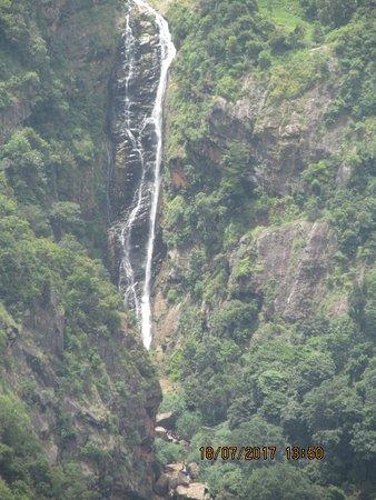 Kotagiri, India: waterfall