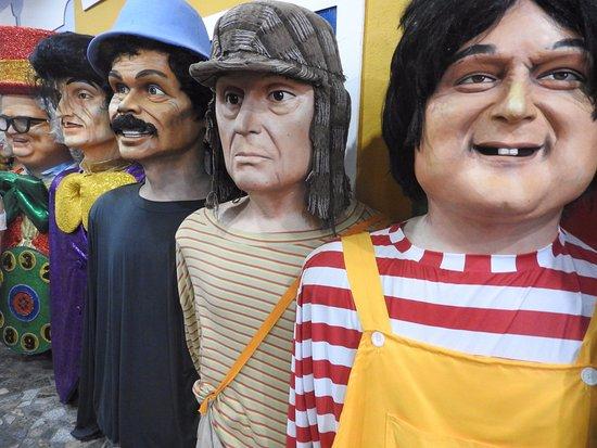 Embaixada dos Bonecos Gigantes: Bonecos