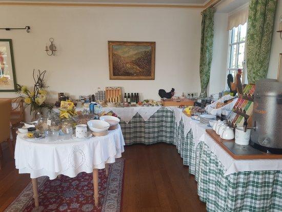 Hotel Garni Donauhof: delar av frukostbuffén