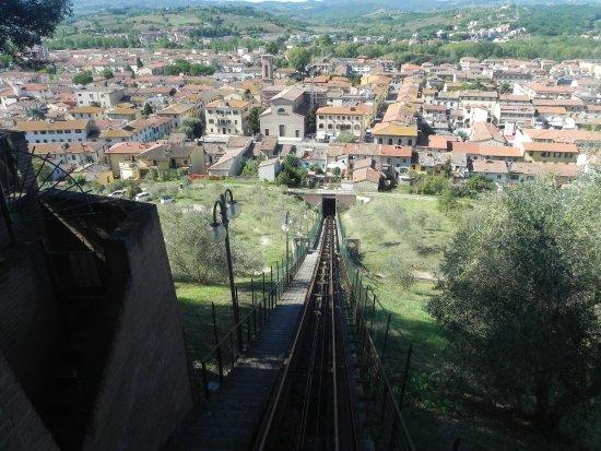 Abfahrt aus Certaldo Alto in die Neustadt