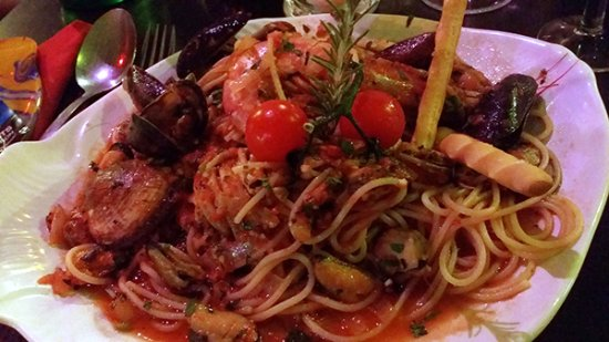 Prima Pasta: Spaghetti marinara made with love, patience and lots of seafood.